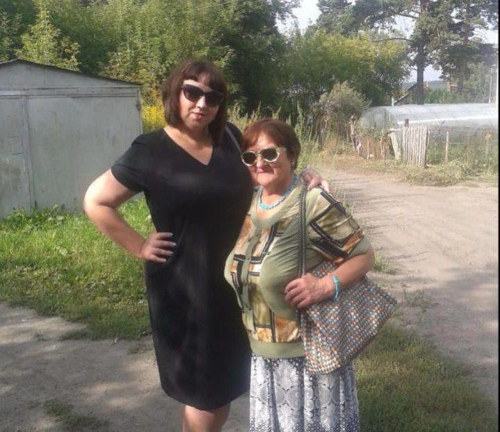 Алена Безматерных с мамой Евгенией Тупаевой